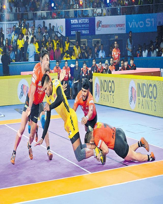 U Mumba, Bengaluru Bulls Win Openers - Sakshi