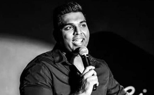Comedian Manjunath Naidu Dies on Stage in Dubai - Sakshi