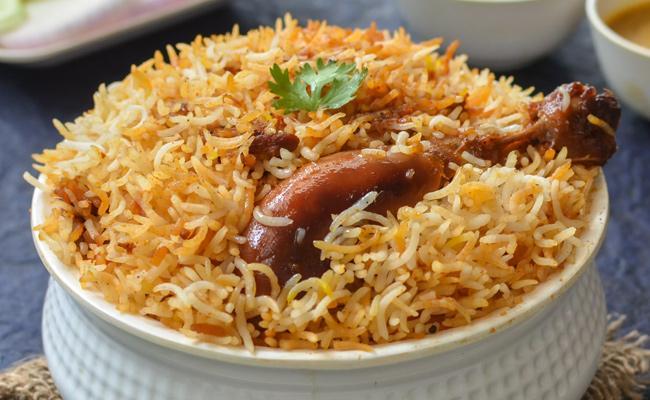 Wife Makes Biryani For Husband In Tamilnadu - Sakshi
