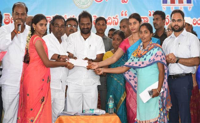 Minister Srinivas Goud Attended the Pension Distribution Program in Gadwal - Sakshi