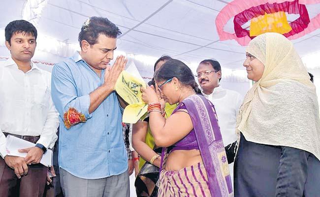 Telangana A Welfare State Says TRS Working President KTR - Sakshi