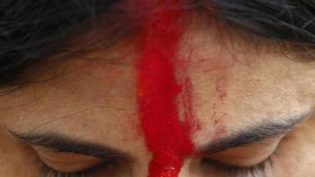 Man Applies Blood As Sindoor On Girlfriends Head Before Killing Her - Sakshi