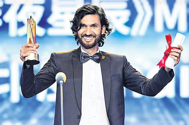 cinematographer wins Asian New Talent Award in Shanghai - Sakshi