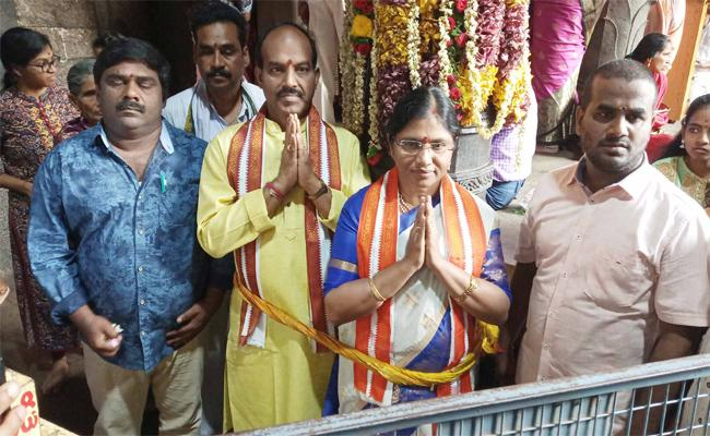 Anakapalle MP Sathyavathi SaysThe Word Given In Parliament Is Edict - Sakshi