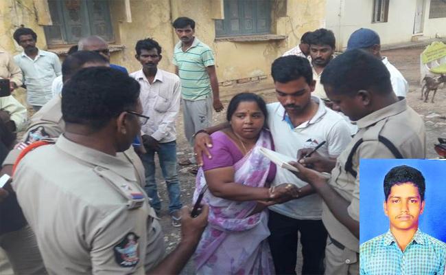 Fruit Merchant In Suspicious Condition Died Of Burns - Sakshi