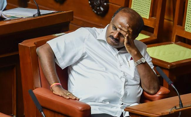 Karnataka Assembly Speaker Clarifies On Trust Vote - Sakshi