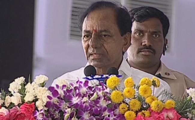 Chintamadaka vastu Excellent, says Telangana CM KCR  - Sakshi