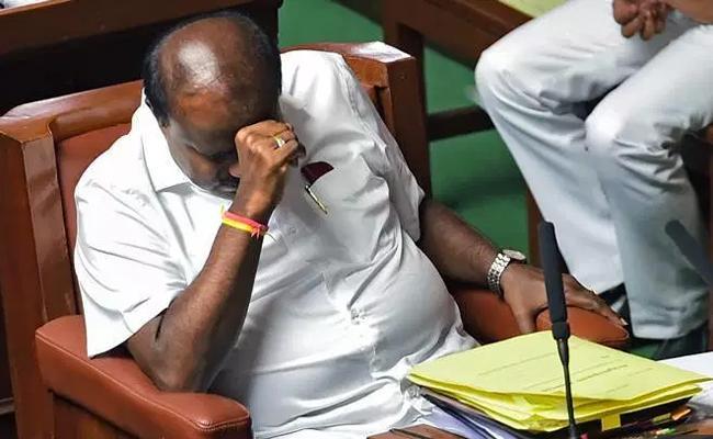 Karnataka CM Kumaraswamy Likely To Resign - Sakshi