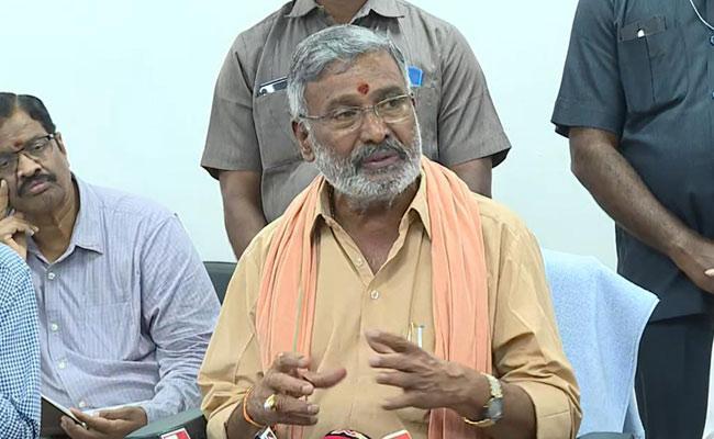 Minister Peddireddy Ramachandra Reddy Say 4 Laks Jobs Appointed For Village Secretary - Sakshi