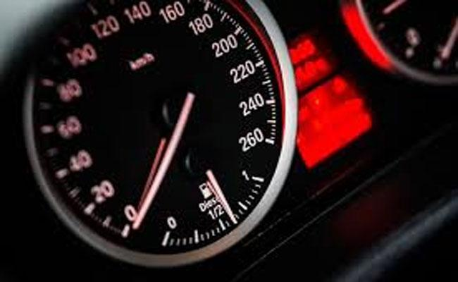 Automatic Speed Control Device Will Arranged To Vehicles In Telangana - Sakshi