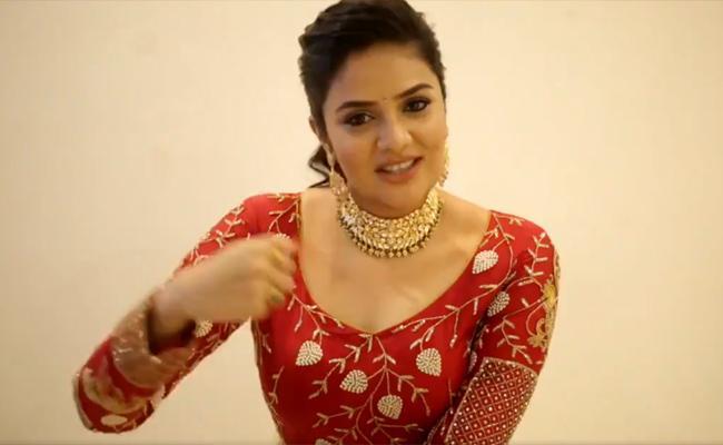 Anchor Srimukhi Posted Video on Twitter - Sakshi