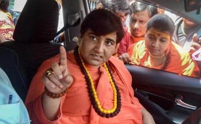 Not Elected To Clean Toilets MP Pragya Thakur On BJP Worker - Sakshi