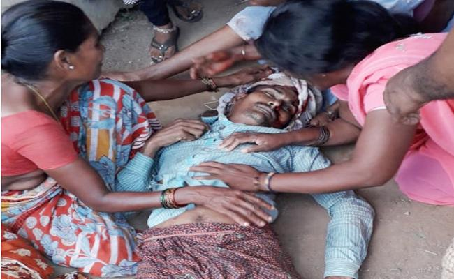 Five Members Died in Road Accidents Visakhapatnam - Sakshi