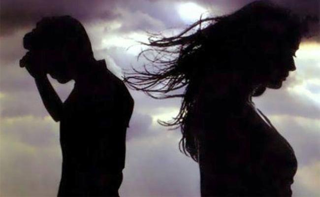 Married Man Cheats Woman In The Name Of Facebook Love In Guntur - Sakshi