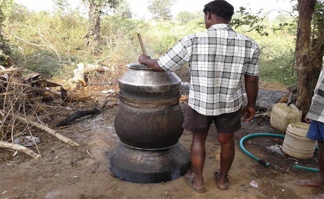People Making Natusara In Gokavaram East Godavari - Sakshi
