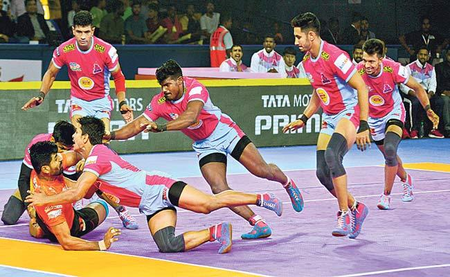 Jaipur Pink Panthers Crush U Mumba - Sakshi