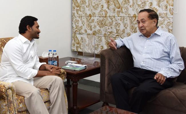 The Hindu Group Chairman Ram Meets CM YS Jagan - Sakshi