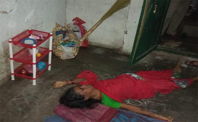 Wife Killed By Husband In Visakhapatnam - Sakshi