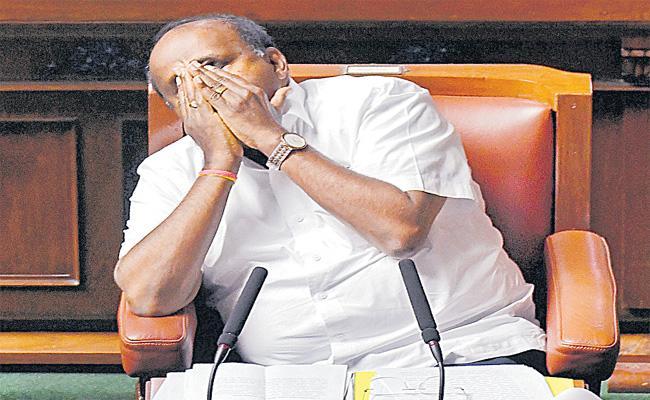 Kumaraswamy Government Collapse In Floor Test In Karnataka - Sakshi