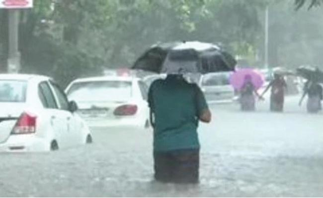 Heavy Rains In Mumbai - Sakshi
