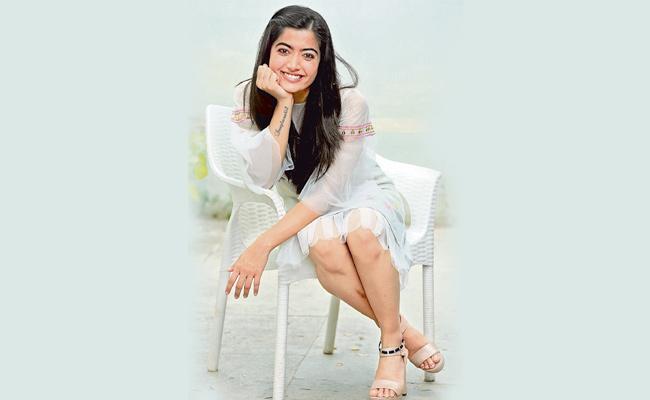 Rashmika Mandanna Talk About Dear Comrade Movie - Sakshi