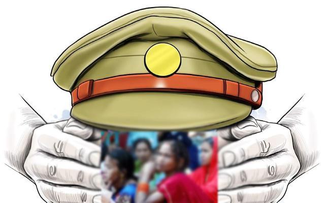 Tamil Nadu Police Demanding Women Bribery Marijuana Smuggling - Sakshi