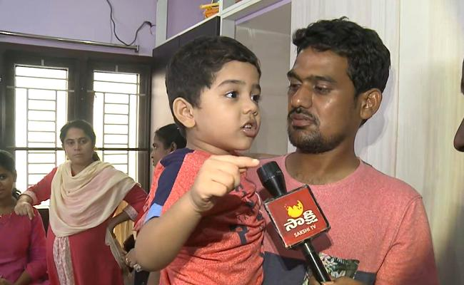 4 Year Old Jasith Says Important Things About Kidnappers In East Godavari - Sakshi