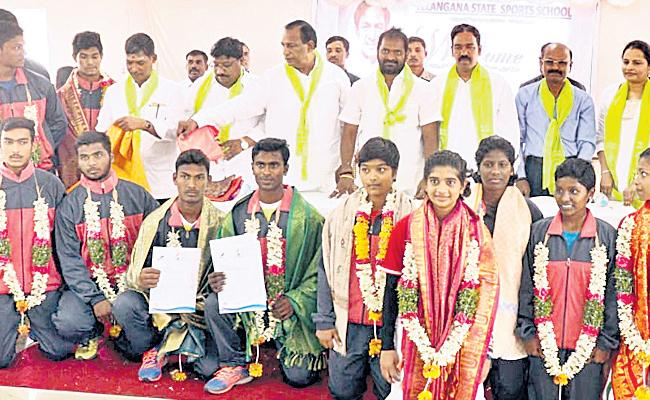 Review on Sports School in Telangana Very Soon - Sakshi