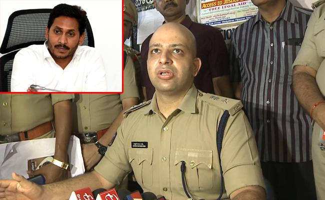 4 Year Old Jasith Released From Kidnappers CM Jagan Appreciate Police - Sakshi