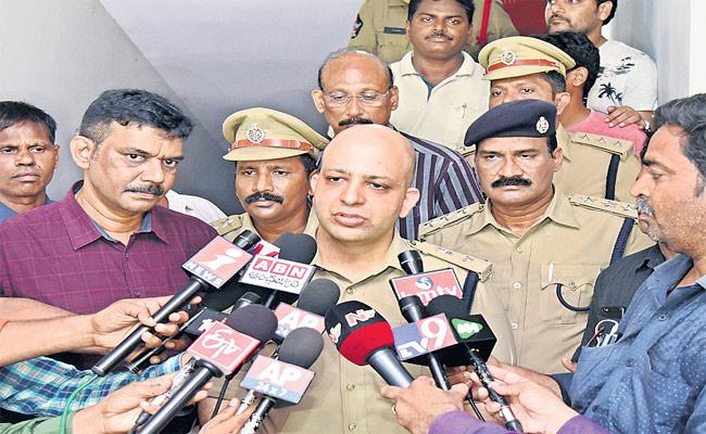 Jasith Released kidnappers Father Thanks CM Jagan - Sakshi