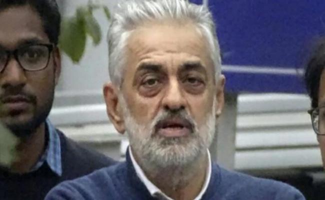 CBI Arrests  Deepak Talwar In Aviation Scam In New Delhi - Sakshi