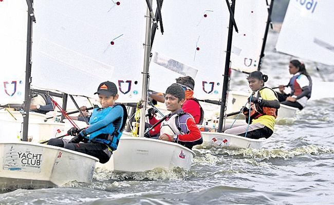 Vijay Kumar Leads In Sailing Championship - Sakshi