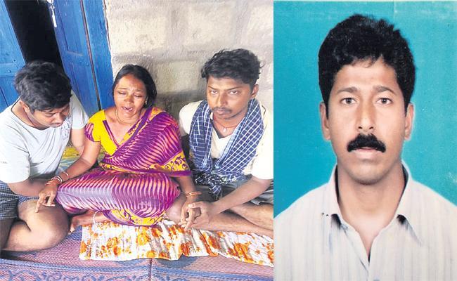 Mancherial Man Died in Road Accident Gulf - Sakshi