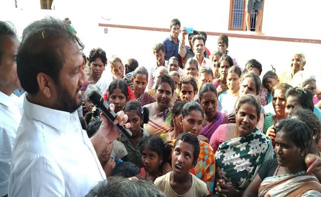 MP Adala Prabhakar Reddy Grants Rs. 56 Lakhs For Drinking Water Problem - Sakshi