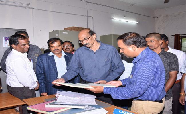 Collector Anilkumar Says, We Try To Keep Telangana University First Rank In State - Sakshi