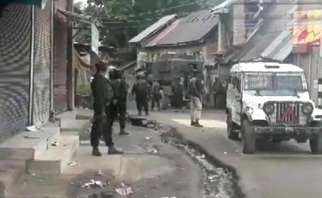 In Jammu and Kashmir Shopian Terrorists Killed In Encounter - Sakshi