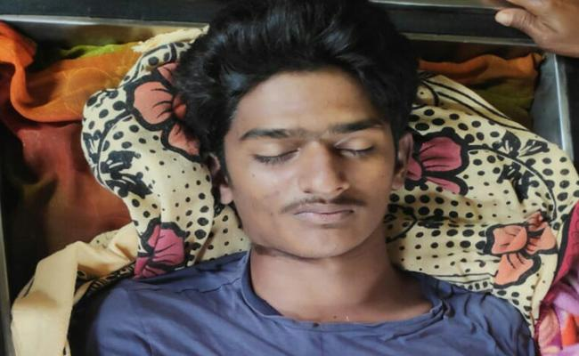 B tech Student Commit Suicide In Warangal - Sakshi