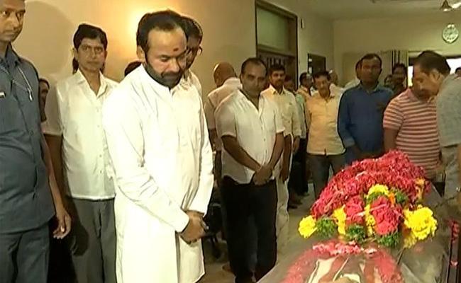 KCR Tributes To Congress Senior Leader S Jaipal Reddy - Sakshi