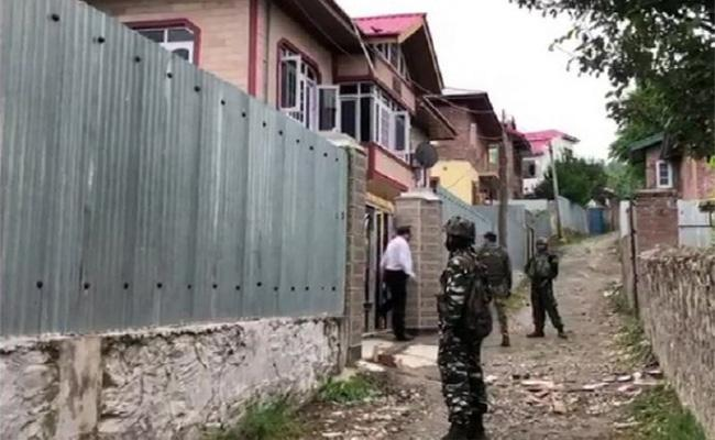 NIA raids four locations in north Kashmir - Sakshi