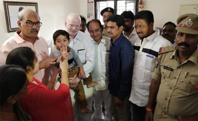 Deputy CM P Subhas Chandra Bose Visited Jasit's Family - Sakshi