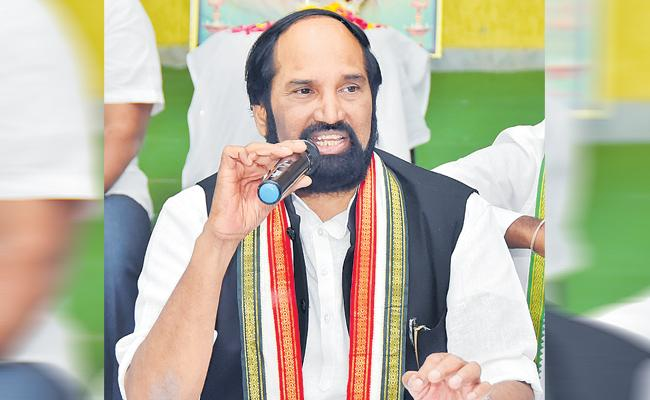 Uttam Kumar Reddy Will Continue For Some More Time - Sakshi
