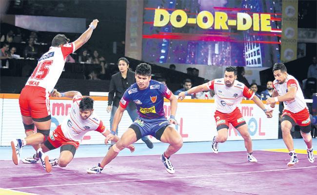 Dabang Dehli Won Ha trick Victory - Sakshi