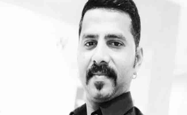 Man Killed By HIs friends In Mumbai - Sakshi