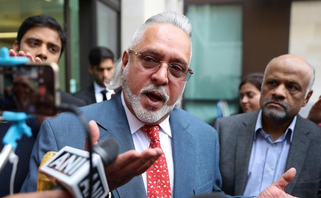 Vijay Mallya accuses CBI of witch hunt - Sakshi