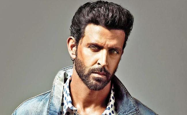 Case Filed Against Actor Hrithik Roshan At KPHB Police Station Hyderabad - Sakshi