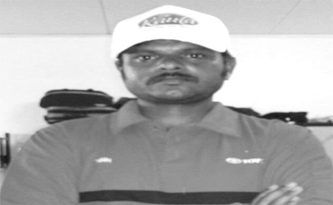 Karimnagar Person Died In Dubai - Sakshi