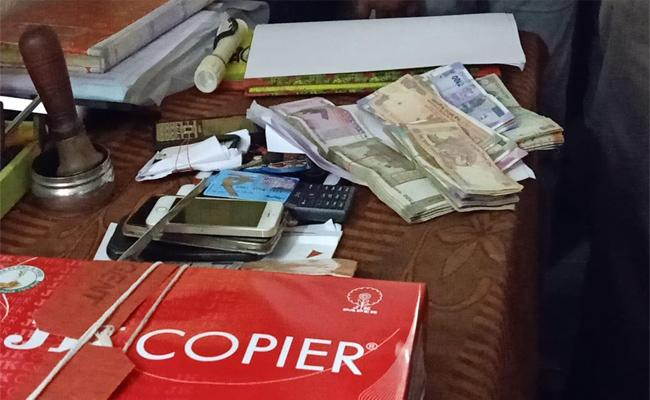 ACB Officials Raided The Stamps And Sub Registrar Office In Guduru On Monday Afternoon - Sakshi