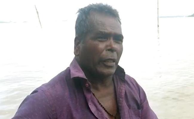 VG Siddhartha missing: Fisherman says he saw someone jumping off the bridge - Sakshi