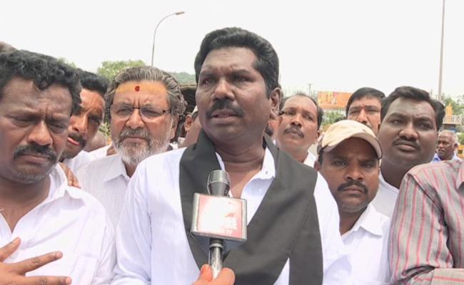 MRPS Leaders Fires On Manda Krishna Madiga - Sakshi