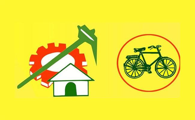 TDP Leaders Not Leaving Nominated Posts In East Godavari - Sakshi